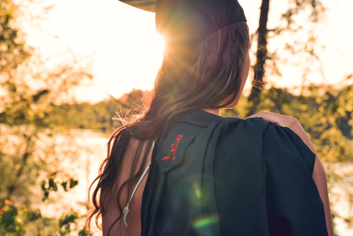 5 things you should be doing postgrad to successfully thrive in your 20s, 30s, and onwards.